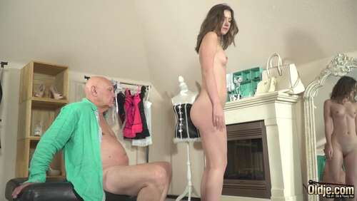 Oldje 711 Peeking On A Sexy Girl - Alessandra Amore  1080p